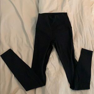Black Lululemon tights